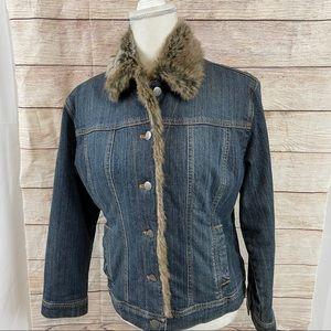 NWOT Chico's quilted faux fur trim denim jacket 0